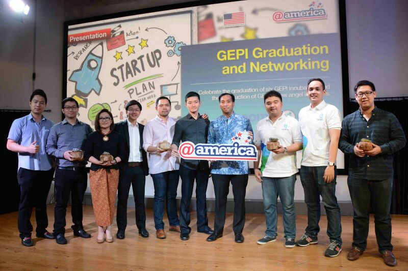 SquLine's Co-founders with all member of GEPI Incubatees.