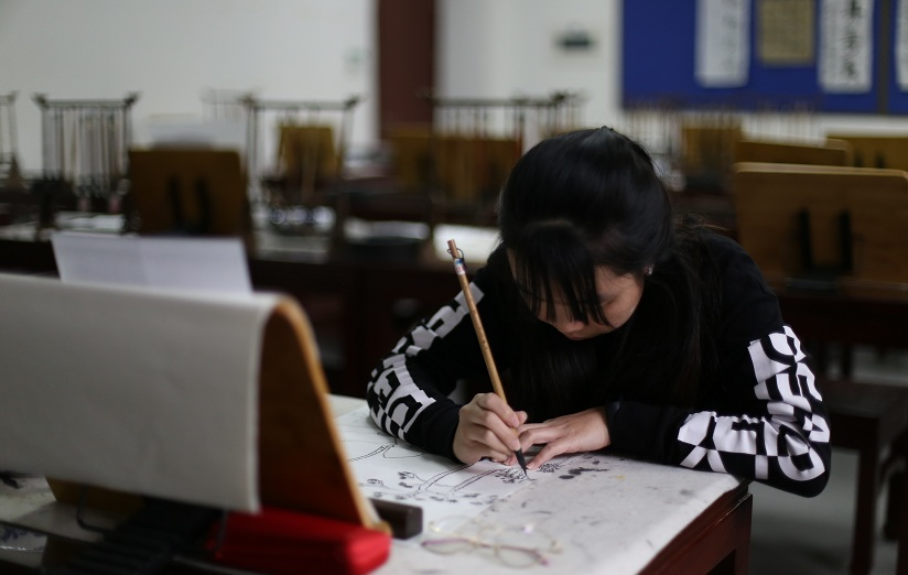 Culture Courses in BLCC: Traditional Chinese Painting